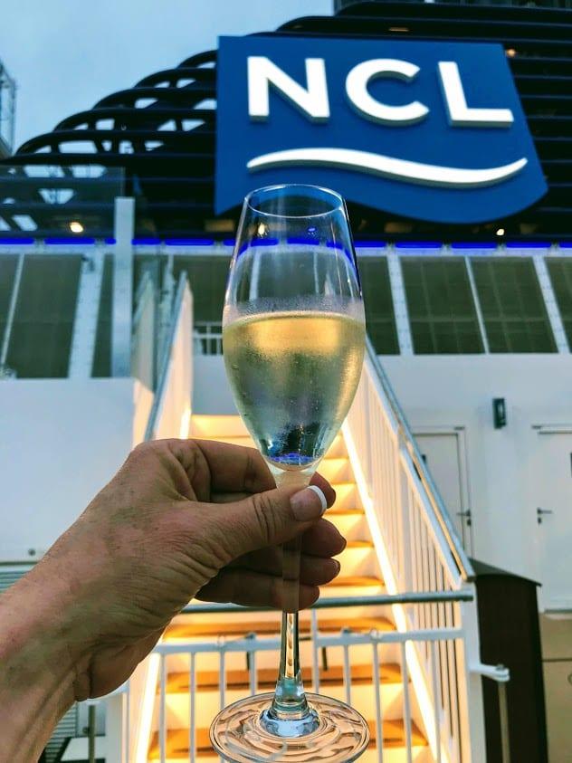 "Norwegian Cruise Line Offers A ""Meet the Winemaker"" Series"